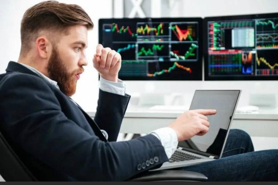 Из технологий в энергию: трейдер прогнозирует рост рынка после этого сигнала.