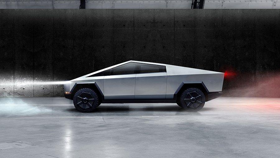 Акции Ford и General Motors опережают акции Tesla в 2021 году. \