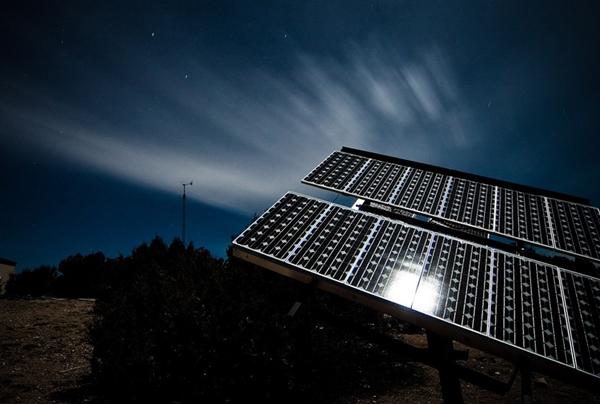 Солнечные батареи производящие энергию в ночное время